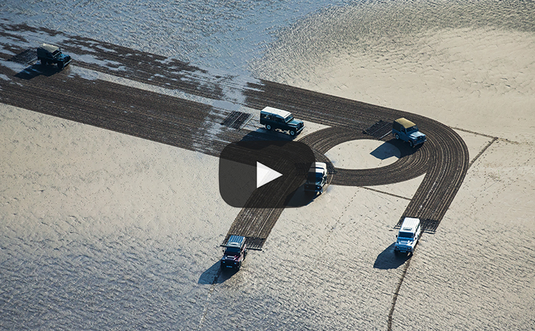 Land Rover - 1KM UK's largest sand drawing
