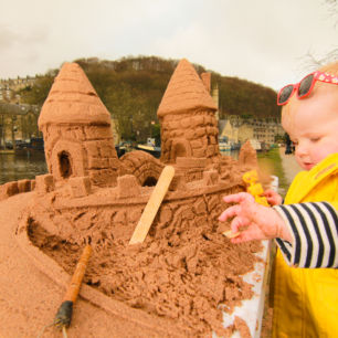 Sand Play tables perfect to run alongside pop up workshops for younger children