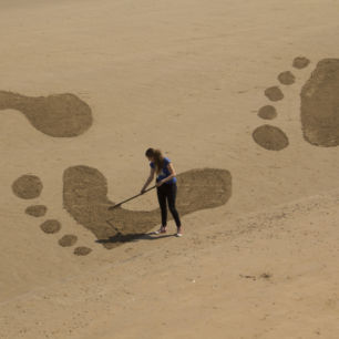 Sand Drawing for NSPCC Footprints Campaign